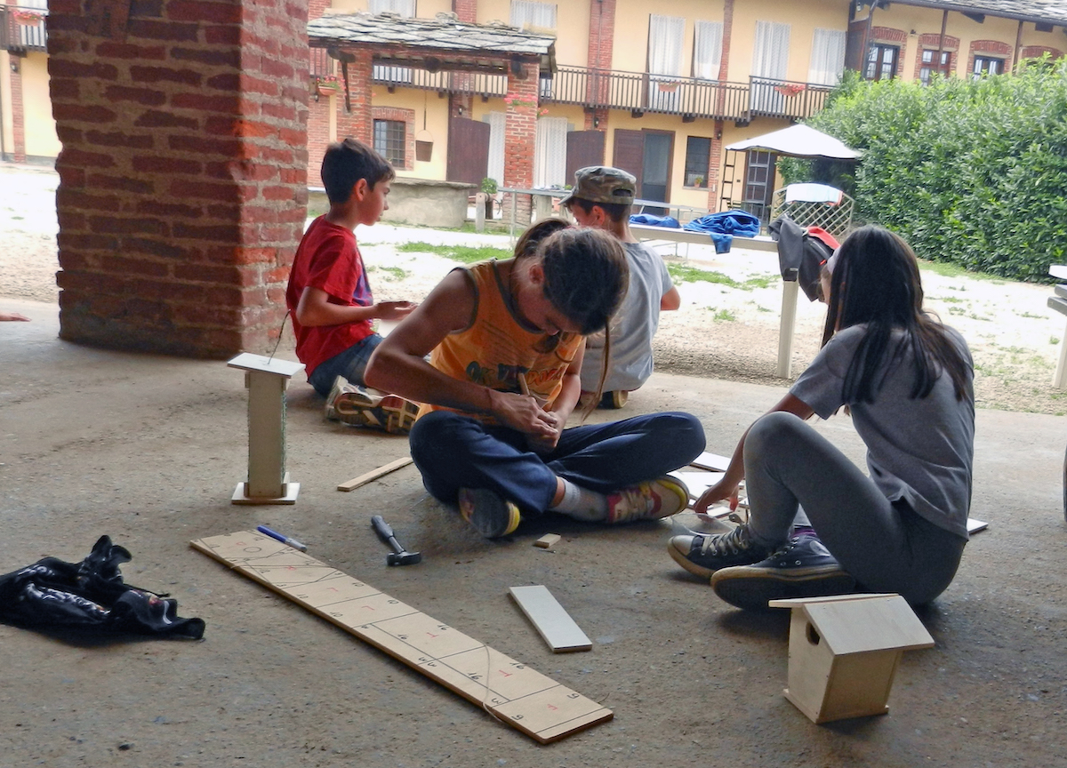 laboratorio di falegnameria con i bambini